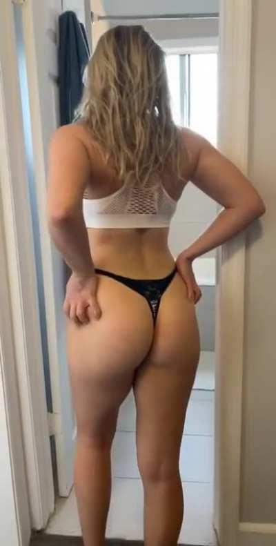 PantiesToTheSide