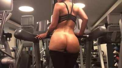 Jada Stevens showing off her ASSets