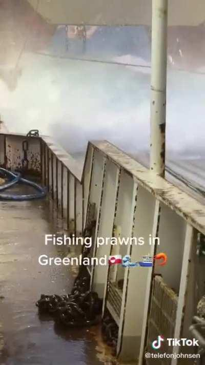 Fishing prawns in Greenland (ignore the audio lol)