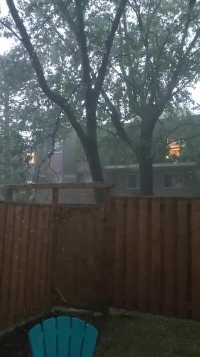 Ontario Heat Wave ends in Thunderstorm