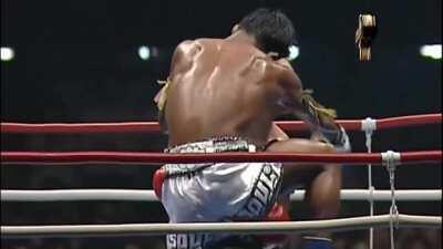 Buakaw destroys Takayuki Kohiruimaki
