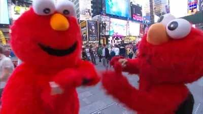 triumph the insult comic dog as elmo