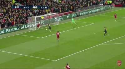 Posting an Özil pass every day until Arsenal play a game. Day 76: v. Liverpool, 2019.