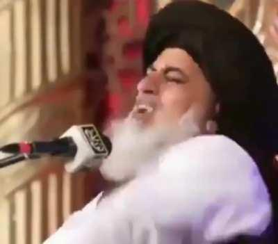 Pakistani spiritual leader demands an atomic bomb be dropped on France