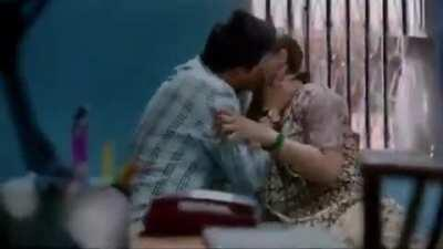 Marathi actress Tejaswini Pandit hard kiss