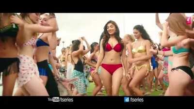 Ishita Raj - Kaun Nachdi (Sonu ke Titu ki Sweety)