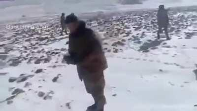 Fistfight between Indian and Chinese soldiers