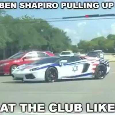 he do be rappin tho' 😳