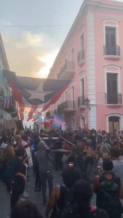 Guillotine being carried to governor's office in Puerto Rico during their BLM protest
