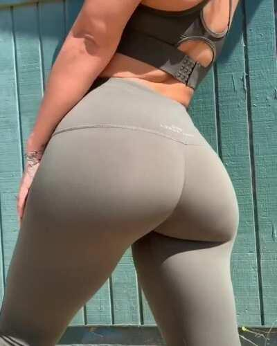 SewKey Asian Thicc OnlyF4ns Videos and Photos! Link in Comments
