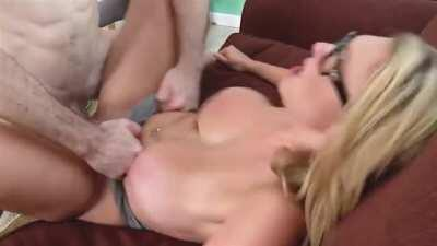 Now That's A Boob Bounce!