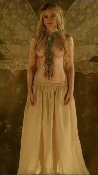 Alicia Agneson - Vikings