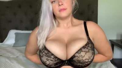 Dreamy Tits 💦 ( her Free album In Comments )