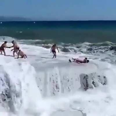 WCGW When Nature also wants to play with you..!!