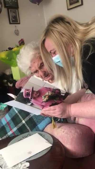 Sweet Grandma gets a card from Queen Elizabeth on her 100th Birthday