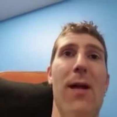 Linus singing Baka Mitai, can't say I blame him. That song do be slapping doe.