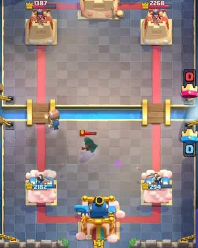 🏆PRO TIP🏆: Split wallbreakers to counter a bandit AND deal 300+ tower damage!