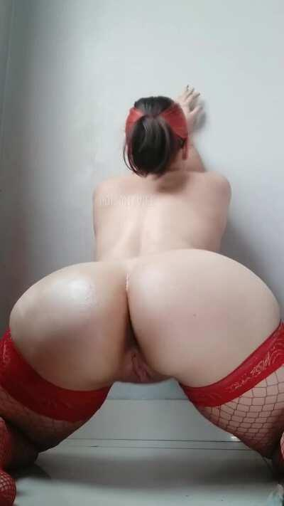 Do you like my ass? i just need a dick to sit down now