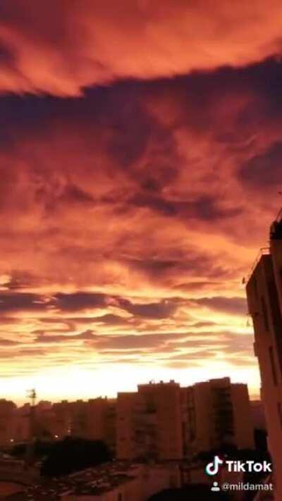 lenticular clouds 💕