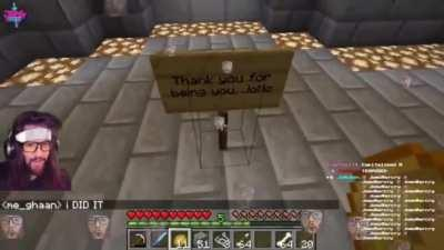 Streamer discovers a work of art on his Minecraft server