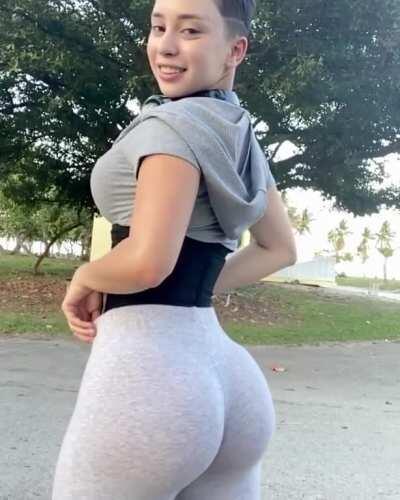 Veronica_Victoria