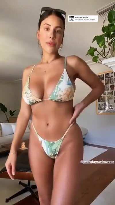 Bikini hotness 1