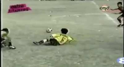 8 Year Old Leo Messi playing a youth tournament for Newell's Old Boys