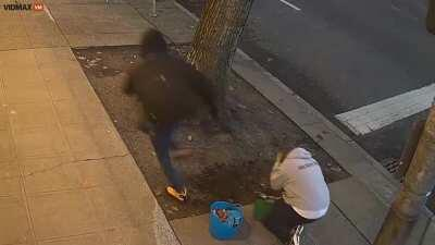 Man kicked two random women in the head just one day apart in Seattle. Police is still looking for him.