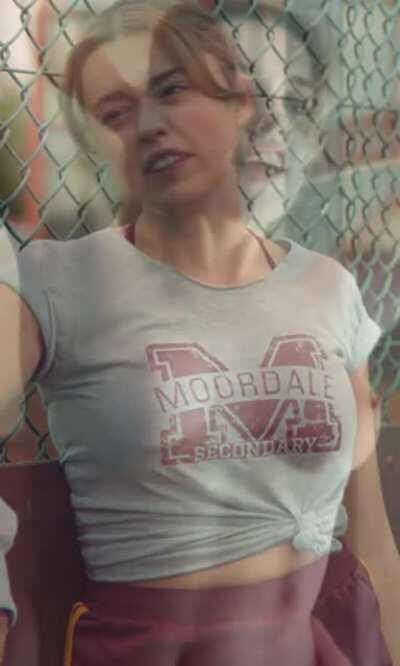 Aimee Lou Wood has the bounciest, perkiest tits on/off