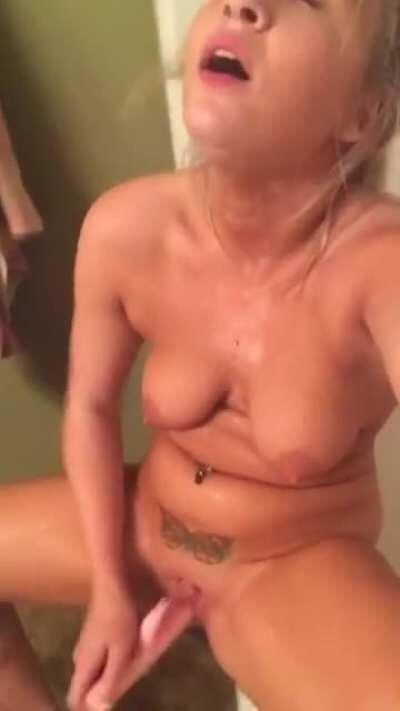Cute naked girl