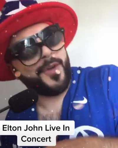 Elton John Live In Concert