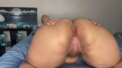 Quite an ass she has 🔥