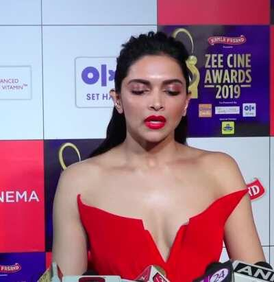 Just cummed twice watching deepika padukone ...that cleavage...fuck ...those expressions makes dick too hard ..ufff💦💦💦🥵🥵