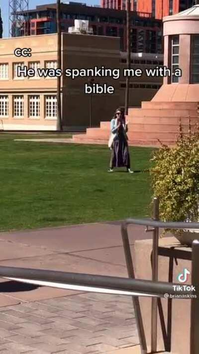Woman warns campus about vampire hoes