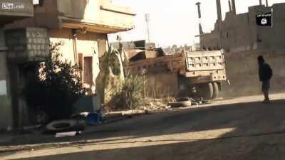ISIS fighting in deir-ez-zor 2 svbieds