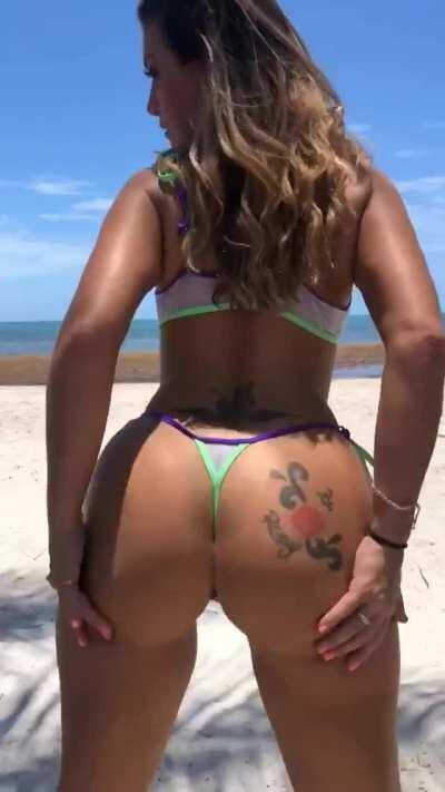 Some booty shaking at the beach