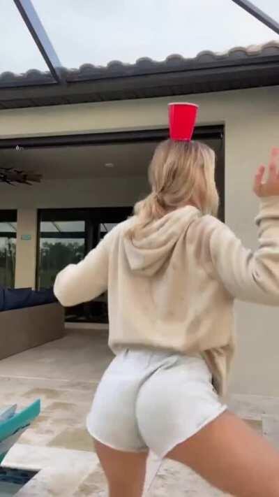 Faith Ordway Sexy Ass/Ass Slapping Compilation
