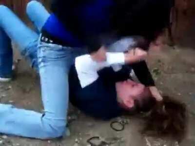 Brutal girls fight