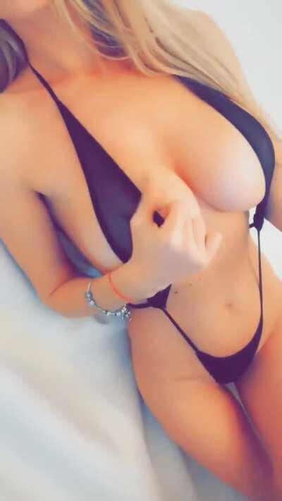 Monique Desire [CamWithHer] Who wants to sling?