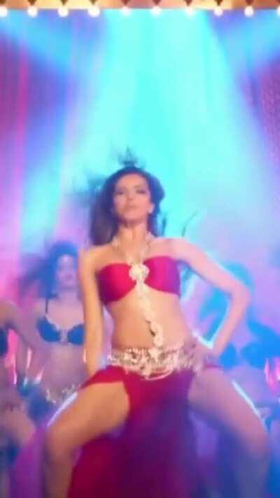 Deepika Padukone - Lovely (Happy New Year)