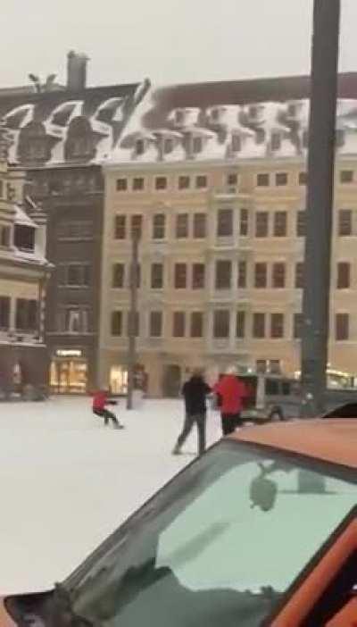 Leipzig 50cm auf jeder Straße, währenddessen Winterdienst