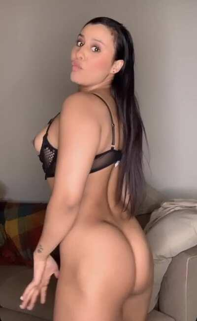 Do you like how I moved my Latin ass, check it out more of me on my onlyfans (link below)