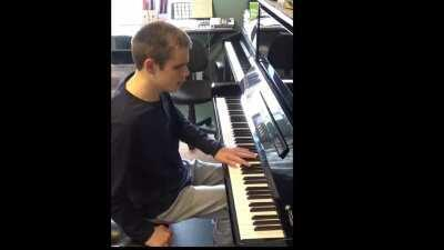 How a blind pianist