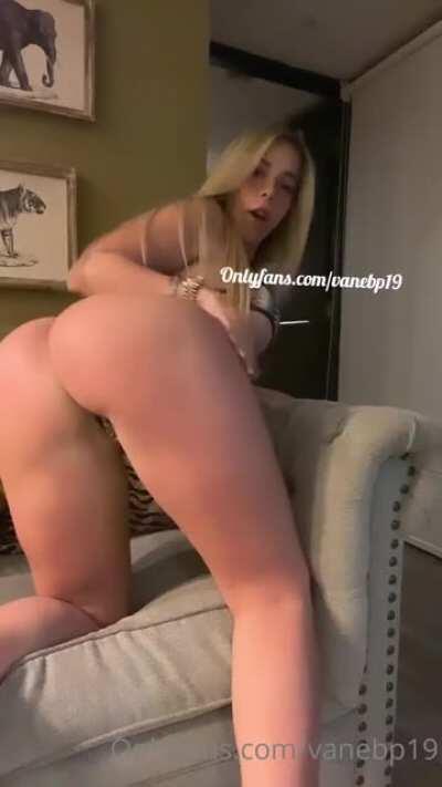 021-Vanessa