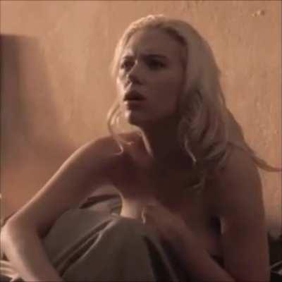 ScarlettJohanssonTits