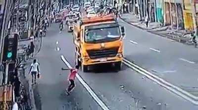Indian man attempts to insurance scam a truck