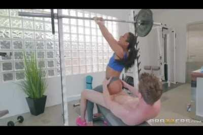 Ebony Pussy With Personal Trainer