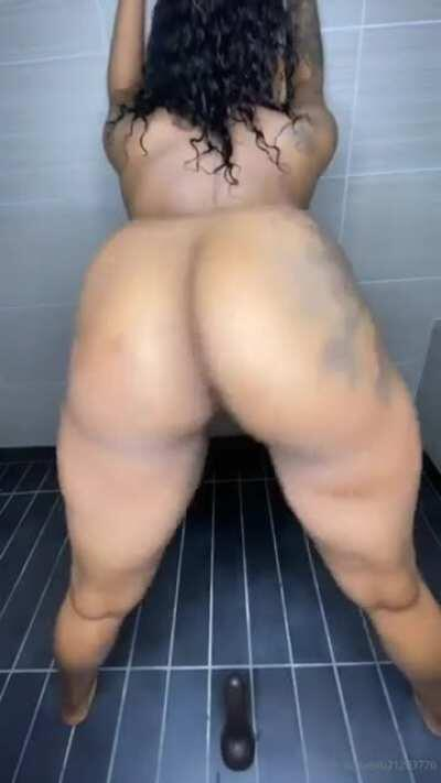 Buttplug clap