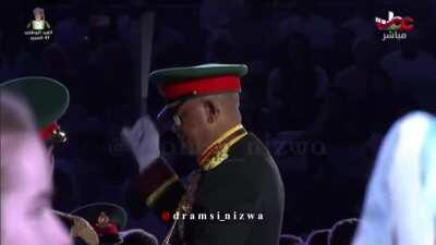 "Oman's Royal Guard covering Justin Timberlake's song, ""Can't stop the feeling"" on the occasion of the 47th National Day 🇴🇲"