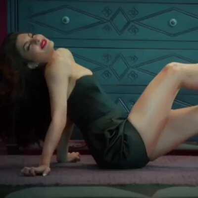 Jacqueline Fernandes Showing her extremely slutty expressions and inviting us for a hot gangbang